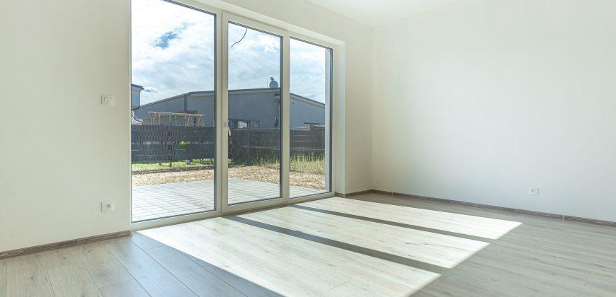Nový 3 izbový rodinný dom v Malých Levároch